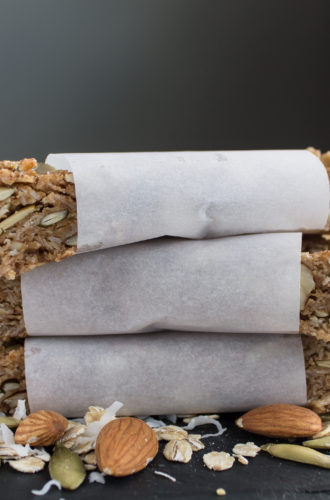 almond oatmeal granola bars