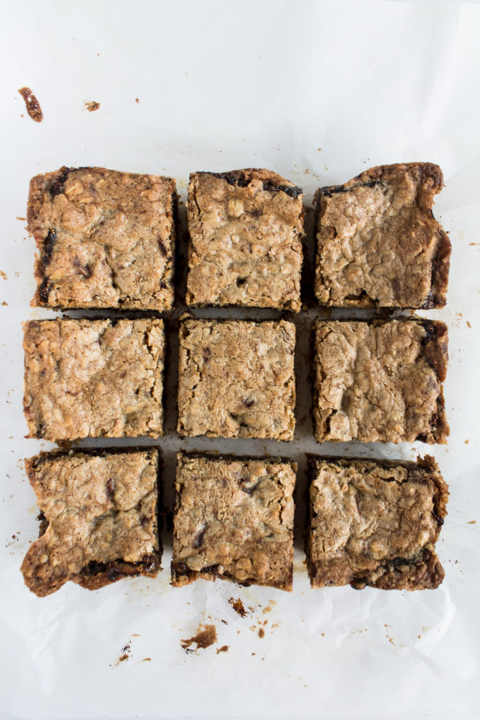 oatmeal dark chocolate fig bars