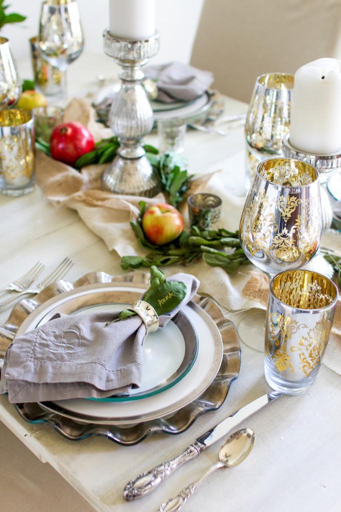 Thanksgiving Table Setting Ideas - Silver Metallic