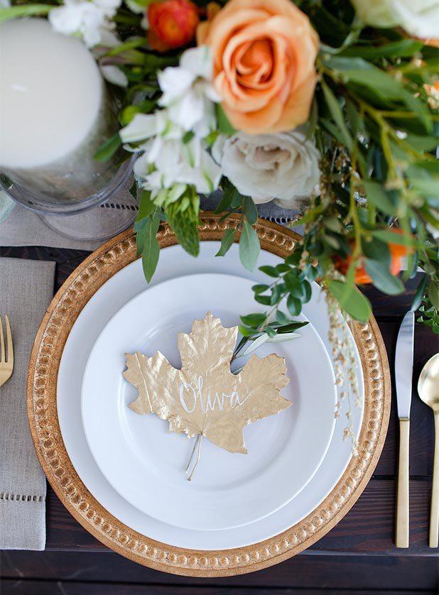 Thanksgiving Table Setting Ideas - Gold Metallic