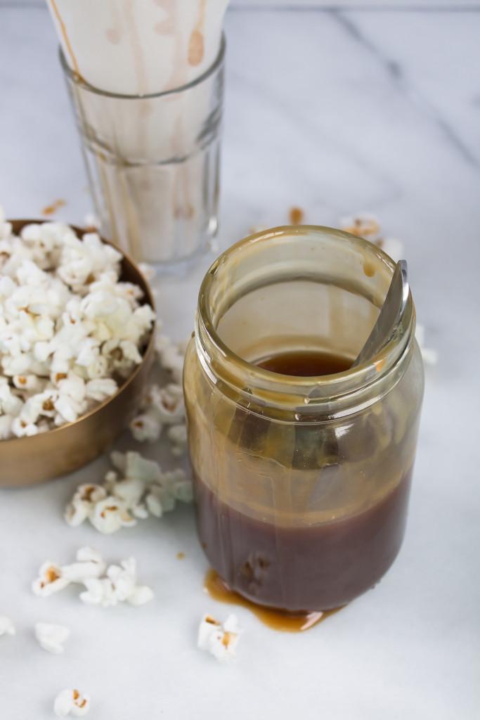 Whiskey Caramel Popcorn | www.passthecookies.com