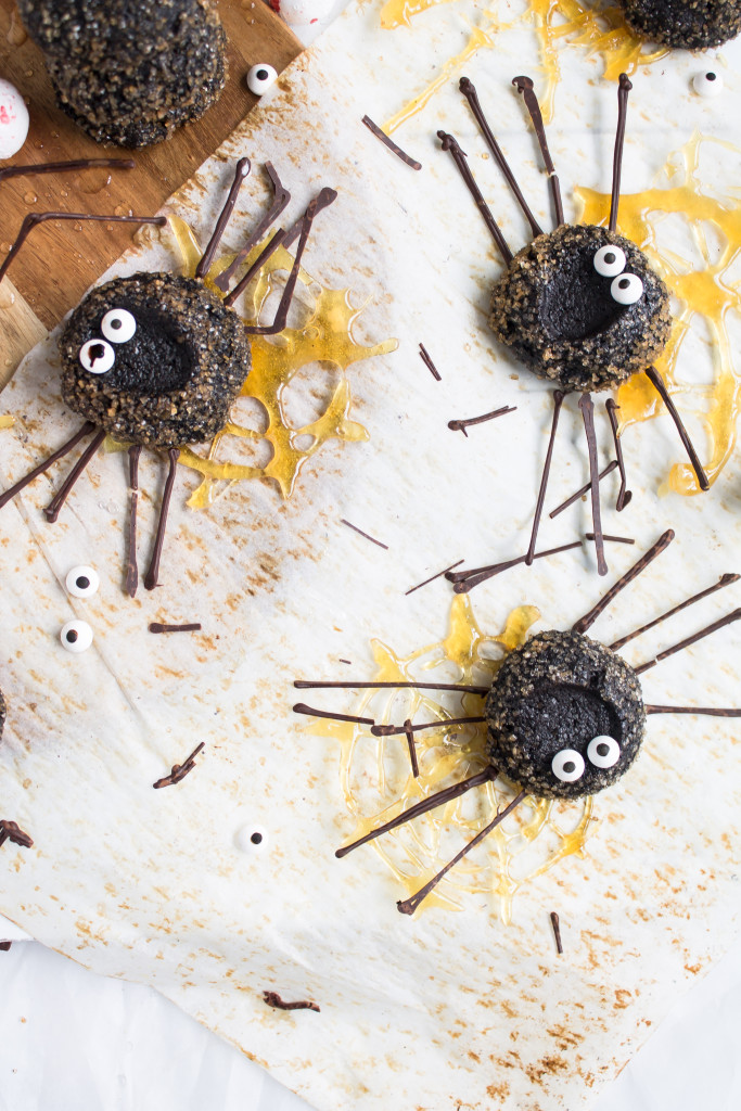 Chocolate Thumbprint Cookie Spiders | Pass the Cookies | www.passthecookies.com