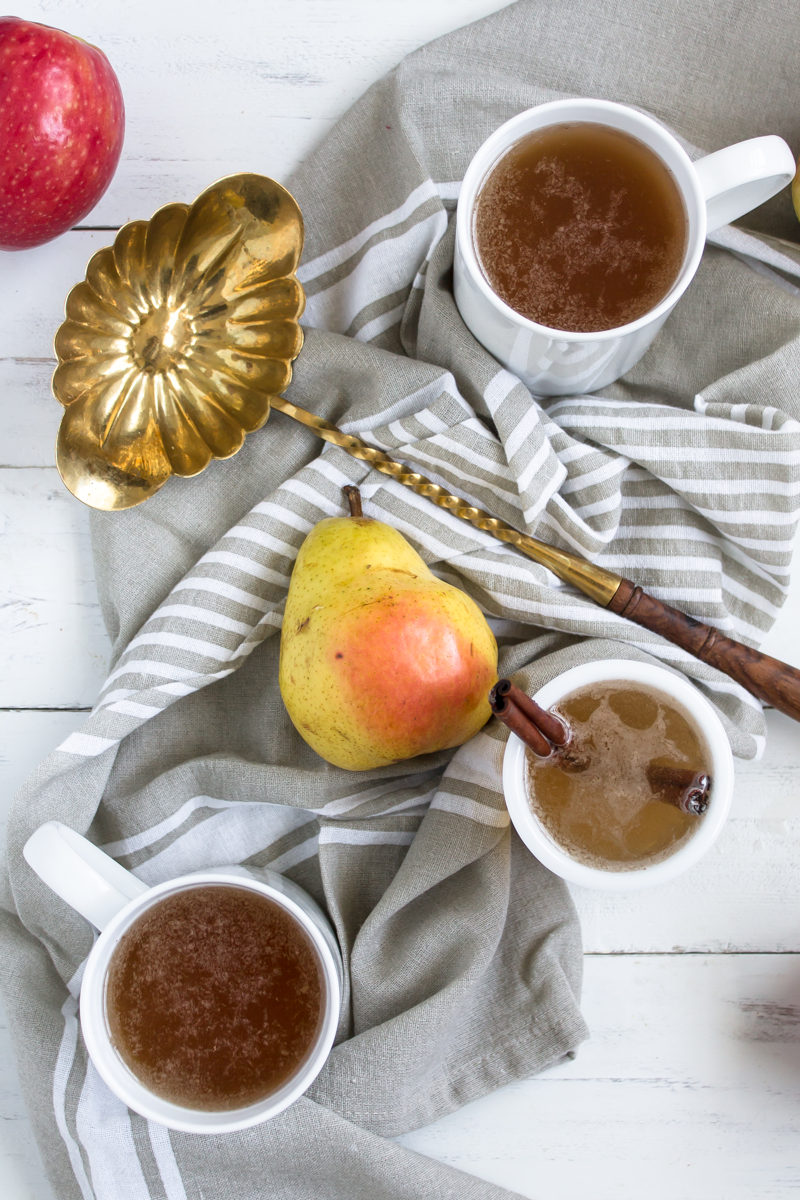 Maple Apple Pear Cider | www.passthecookies.com