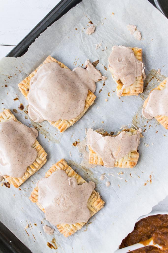 Pass the Cookies Pumpkin Recipe Roundup - Breakfast | www.passthecookies.com