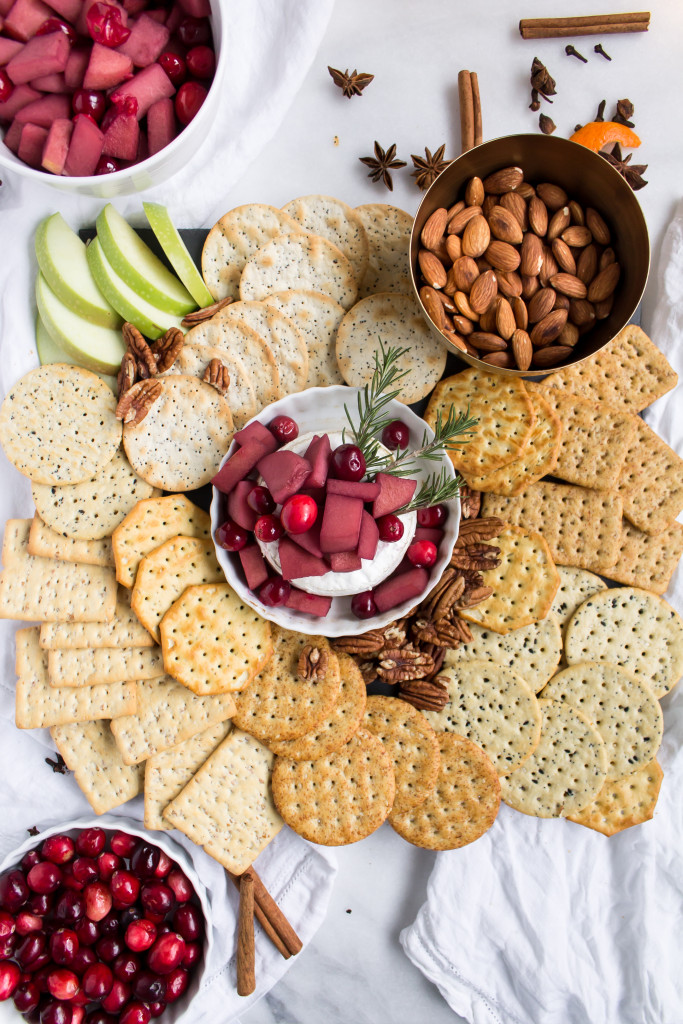 Baked Brie with Mulled Wine-Soaked Fruit | Pass the Cookies | www.passthecookies.com