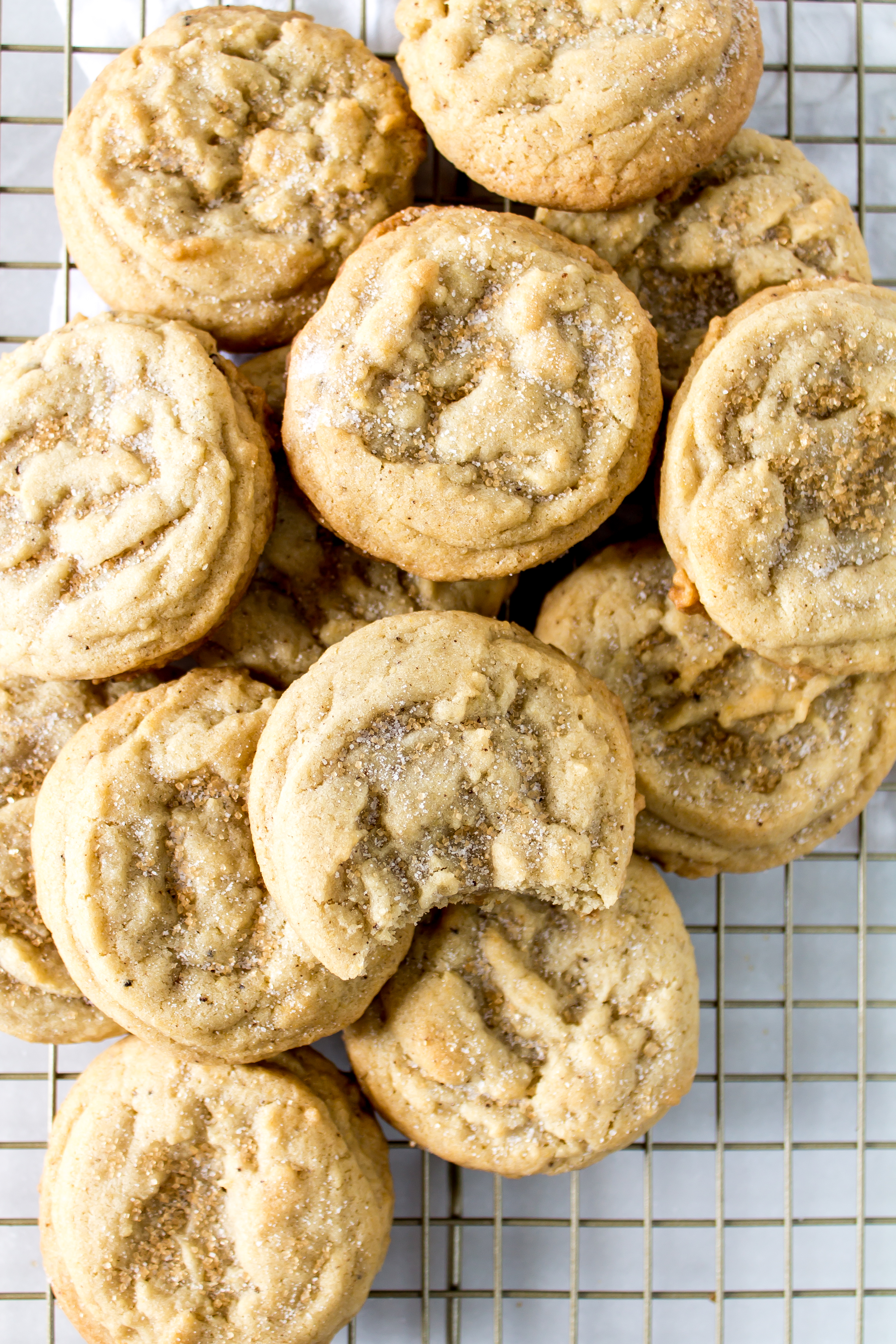 Soft brown butter sugar cookies have the amazing dense, chewy centers you love in bakery-style cookies, but a delicious deep nutty and vanilla flavor that you can't resist. | Pass the Cookies | www.passthecookies.com