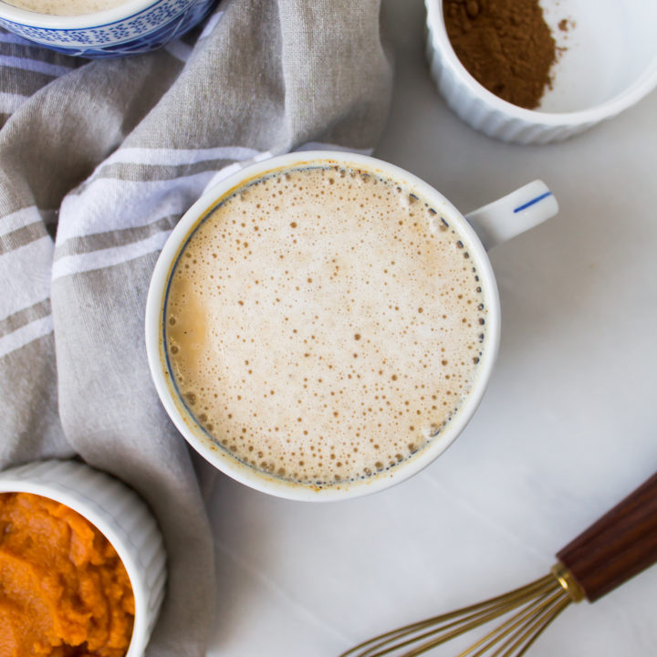 This homemade pumpkin spice chai latte is filled with delicious, warm fall flavors and is naturally sweetened so you can indulge without guilt all season. | Pass the Cookies | www.passthecookies.com