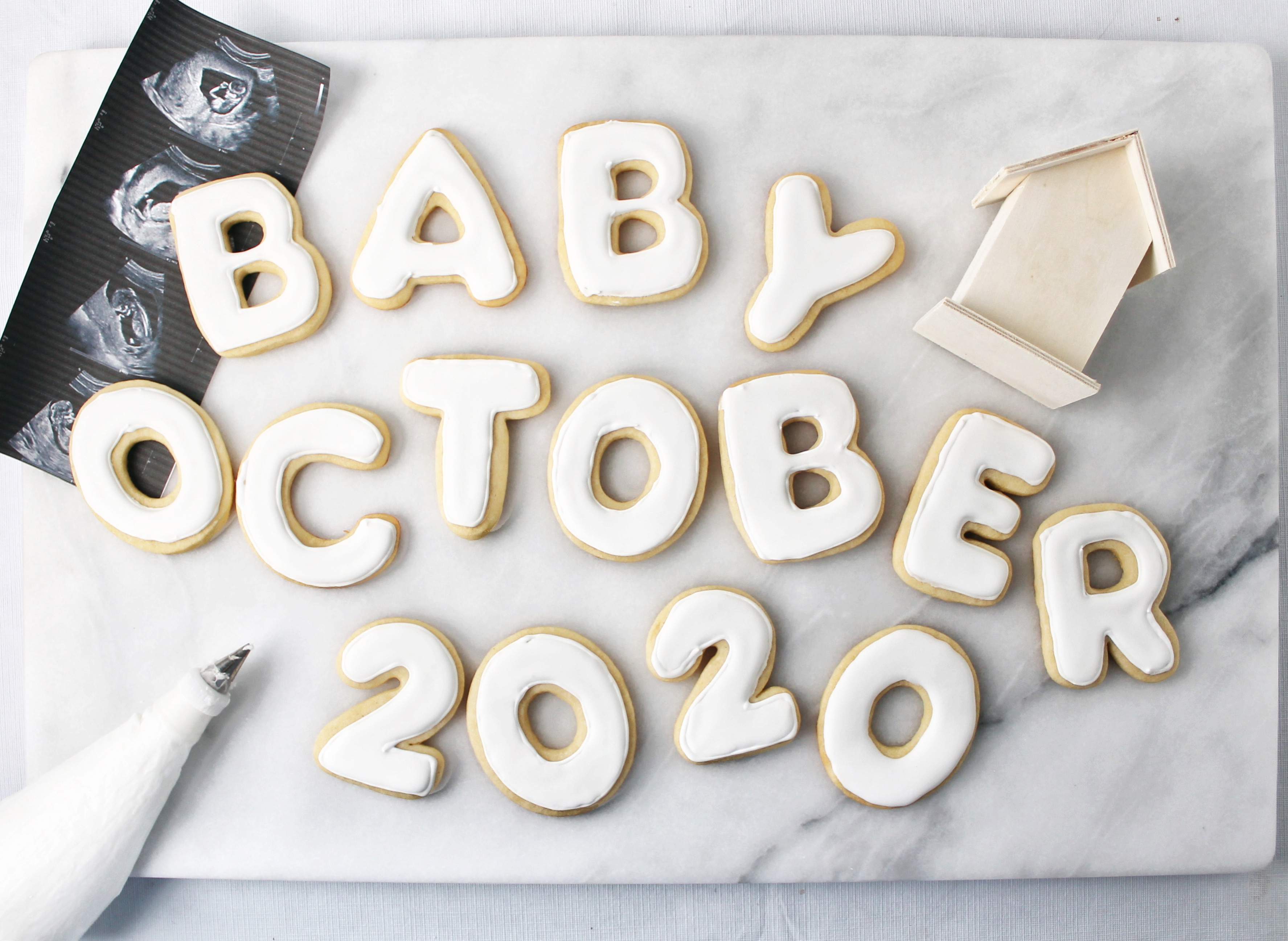 Baby Announcement | Pass the Cookies | www.passthecookies.com